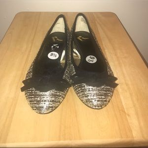 Report Shoes - Black and silver ladies ballet flats, size 9.5.
